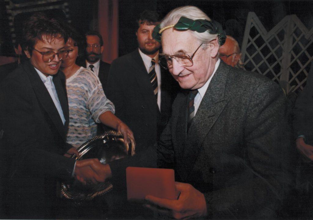 Andrzej Wajda z Wawrzynem ITON-u 2 foo K. Jurewicz
